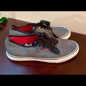 Women's Levi's shoes grey black size 8